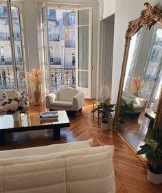 Parisian Apartment, Paris Apartments, Dream Apartment, Paris Apartment Interiors, Apartment Goals, London Apartment, Studio Apartment, Dream Home Design, Home Interior Design