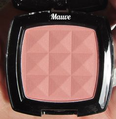 *Nina's Bargain Beauty*: NYX Powder Blush in Mauve - I want to try this blush