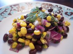 Very Low-Fat Black Bean And Corn Salad - Laura's Healthy Eating Recipes Mexican Food Recipes, New Recipes, Vegan Recipes, Cooking Recipes, Favorite Recipes, Corn Salad Recipes, Corn Salads, Pasta Recipes, Olives