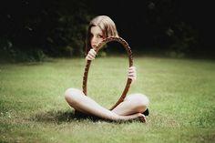Autoritratto di Laura Williams, la fotografa dell'invisibile