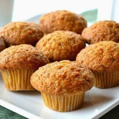 Feito apenas com o açúcar e gordura presentes naturalmente nos alimentos, esse muffiné uma opção deliciosa e saudável parao café da manhã ou lanches intermediários. Além de vitaminas e minerais, ...
