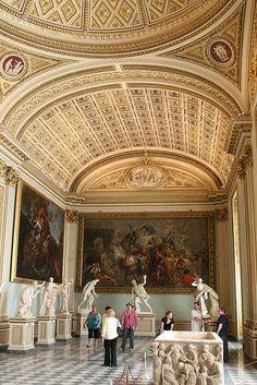 Florence Uffizi Gallery Niobe Room