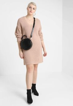 Missguided Plus - EXCLUSIVE CURVE V NECK JUMPER DRESS - Robe pull - nude Textiles, Dress Robes, Jumper Dress, Mannequin, Missguided, Pulls, Plus Size Outfits, V Neck, Sweaters