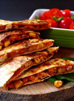 Sabor: Quesadillas με κοτόπουλο / Chicken quesadillas