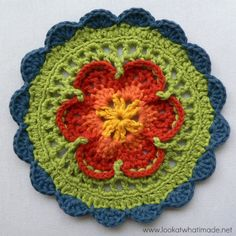 Sophie's Mandala - Part 1 {Small} :http://www.lookatwhatimade.net/crafts/yarn/crochet/free-crochet-patterns/sophies-mandala-part-1-small/