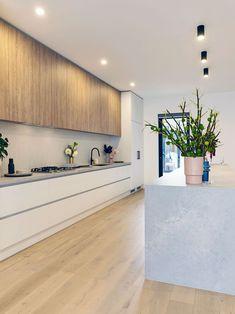 The Norsu kitchen reno achieves chic on a budget Modern Kitchen Design Achieves Budget Chic Kitchen Norsu Reno Home Decor Kitchen, Home Kitchens, Kitchen Ideas, Modern Kitchens, Rustic Kitchen, Diy Kitchen, Awesome Kitchen, Kitchen Modern, Beautiful Kitchen