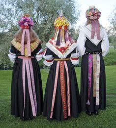 Dalarna, bruder (traditional bridal dresses from Dalarna, Sweden)