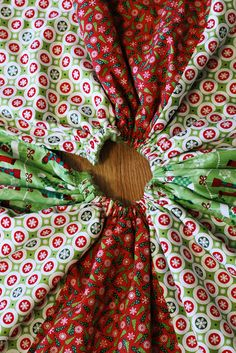 CocktailMom: Christmas Tree Skirt