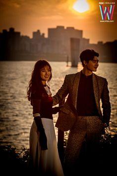 two worlds, w, Han Hyo Joo Lee Jong Suk, Lee Tae Hwan, Jong Hyuk, W Two Worlds Wallpaper, W Kdrama, Kdrama Memes, W Korean Drama, Lee Jong Suk Wallpaper, Lee Jong Suk Lockscreen