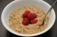 Homemade Instant Oatmeal Packets (Click here to print this recipe.)  Ingredients (1 Serving):  - 1/2 Cup Quick Rolled Oats  - 2 Teaspoons Milk Powder  - 1 Tablespoon Brown Sugar  - 1/2 Teaspoon Cinnamon  Ingredients (10 Servings):  - 5 Cups Quick Rolled Oats  - 1/3 Cup Milk Powder  - 2/3 Cup Brown Sugar  - 1 1/2 Tablespoons Cinnamon  Instructions (Mix):  1. Mix all ingredients together in a bowl.   If you are making individual servings, package the ingredients in small zippered bags.  If you…