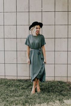 Shop cute and modest dresses and styles for this Spring season including fit & flare, t-shirt, embroidered dresses, maxi, & midi. Modest Dresses, Modest Outfits, Skirt Outfits, Modest Fashion, Cute Dresses, Casual Outfits, Cute Outfits, 80s Fashion, Korean Fashion