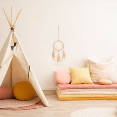 Tentes, cabanes et tipis // Hellø Blogzine blog deco & lifestyle www.hello-hello.fr Baby Bedroom, Girls Bedroom, Nevada, Kids Room Design, Kids Corner, Kids Furniture, Room Inspiration, Toddler Bed, Decoration