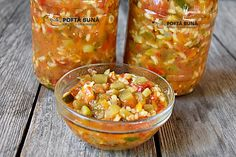 Tocana de legume pentru iarna: cu vinete, ardei, dovlecei, aromata si picanta. Facuta fara niciun fel de conservanti la chimicale, totul sanatos si natural. Guacamole, Gin, Salsa, Mexican, Canning, Vegetables, Ethnic Recipes, Food, Google