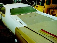 Junkyard Cars, Car Barn, Graveyards, Road Runner, Barn Finds, Mopar, Muscle Cars, Runners, Rust