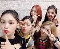 Image about kpop in K-pop✨ by Elif Nur on We Heart It Kpop Girl Groups, Korean Girl Groups, Kpop Girls, K Pop, Pretty Asian, Album, New Girl, South Korean Girls, Music Artists