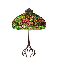 "Tiffany Studios New York ""Nasturtium"" Table Lamp 