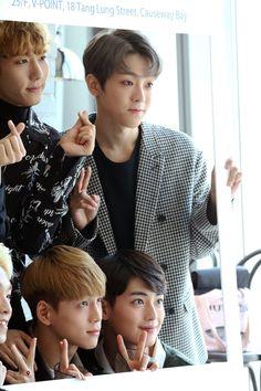Taevin looks so sassy