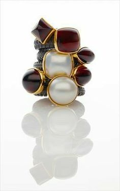 not normally into yellow gold but there's something about this.Marianne Anderson - Rings Oxidised silver, gold, garnets and mabe pearls - Photograph: Sylvain Deleu Contact the gallery (Scottish Gallery) Jewelry Art, Jewelry Rings, Fine Jewelry, Jewelry Design, Fashion Jewelry, Jewlery, Garnet Jewelry, Garnet Rings, Contemporary Jewellery Designers