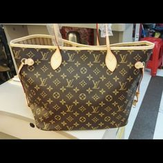 New Louis Vuitton handbag Great quality! big size,classic patern Louis Vuitton Bags