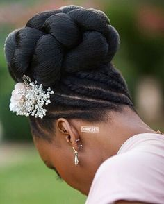 It's all in the detail, from our bridal shoot @chateauchallain France.  Model @popottekreol  Hair @dionnesmithhair  Makeup @bolanlemakeuppro  Photography @nvardikos  #dionnesmith #hair #photoshoot #wedding #bridalhair #updo #weddinghair #hairstylist