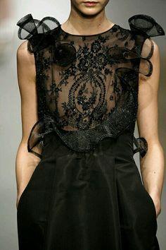 46 ideas for embroidery dress black fashion details Couture Details, Fashion Details, Fashion Design, Moda Fashion, High Fashion, Womens Fashion, Dress Fashion, Fashion Glamour, Steampunk Fashion