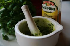 Bazalkové pesto Pesto, Korn, Guacamole, Homemade, Ethnic Recipes, Home Made, Hand Made