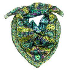 Foulard en soie imprimé vert Palme 100 x 100 cm - Foulard/Foulard soie carré - Mes Echarpes http://www.mesecharpes.com/carre-soie/grand-carre/foulard-en-soie-imprime-vert-rena-palme-100-x-100-cm.html