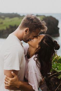Mehendi Photography, Muslim Couple Photography, Wedding Photography Tips, Engagement Photography, Photography Ideas, Couples Beach Photography, Couple Photoshoot Poses, Couple Shoot, Maui Wedding Photographer