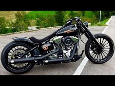 Harley Davidson Breakout CVO Rims in Black - YouTube