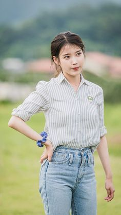 Kpop Outfits, Cute Outfits, Camille, Illustration Girl, Girl Photo Poses, Celebs, Celebrities, Beautiful Asian Girls, Korean Beauty