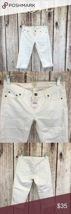 J.crew White capris pants New stretch white Capris size 27 99% cotton 1% Spandex J. Crew Pants Capris