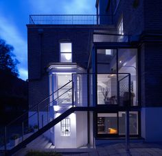 Modern Glass Extension on a London Townhouse - Design Milk Glass Extension, Extension Designs, Extension Ideas, London Townhouse, London House, Adobe Haus, Townhouse Designs, House Extensions, Modern Glass