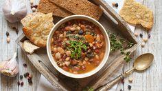 缶詰の豆をごちそうに変える煮込み方