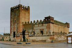 Narros de Saldueña, Avila España Asociación española de amigos de los Castillos, Castillos de España,medievales