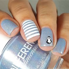Want to know how to do gel nails at home? Learn the fundamentals with our DIY tutorial that will guide you step by step to professional salon quality nails. Grey Christmas Nails, Holiday Nails, Christmas Glitter, Christmas Christmas, Simple Christmas, Winter Nail Designs, Nail Art Designs, Nails Design, Cute Nails