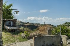 Exploring the ancient towns of Craco, Tursi and Aliano, lost among the harsh hills of the Basilicata region, in the South of Italy. #Blobally #basilicata #craco #aliano #tursi #italy