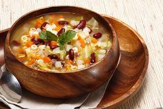 Receita de Sopa portuguesa. Descubra como cozinhar Sopa portuguesa de maneira prática e deliciosa com a Teleculinária!