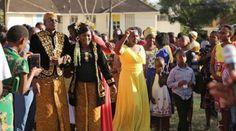 Pasangan Pengantin di Kenya Pilih Adat Jawa-Sunda Untuk Pernikahannya Hebohkan Netizen