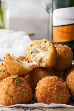 Cheesy Italian Arancini Balls -Creamy cheesy risotto rice, coated in panko and fried golden. The most EPIC Italian starter ever! www.recipetineats.com