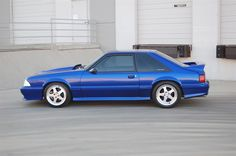 fox body hatchback a coupe? Ford Mustang Fox Body, Blue Mustang, Ford Mustang Gt, Ford Gt, Mustang Girl, Ford Lincoln Mercury, Pony Car, Car Ford, American Muscle Cars