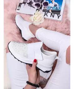 MODANOEMI Dámske štýlové biele tenisky s kamienkami LLQ-503B Slippers, Sport, Fashion, Moda, Deporte, Fashion Styles, Sports, Slipper, Fashion Illustrations