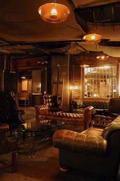 Vintage furniture and dim lighting create a speakeasy vibe at H. – in 3 Reinvented Hollywood Clubs Rustic Furniture, Vintage Furniture, Furniture Design, Office Furniture, Furniture Ads, Modular Furniture, Scandinavian Furniture, Furniture Showroom, Furniture Movers