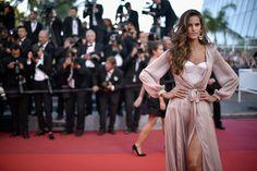Indo de camisola no festival de Cannes.
