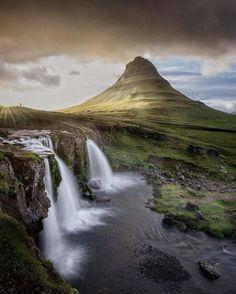 First Sunset in Iceland (Kirkjufell) Also one of the most photografed places in Iceland [750x1334]