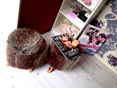 Furry stools inspiration. Room decoration!