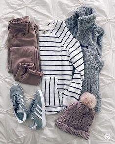 Looking for cute outfits ideas for school? From blazers and casual rompers to jumper dresses, get inspired by these fashionable and cute outfits for school year Fall Winter Outfits, Winter Wear, Autumn Winter Fashion, Winter Clothes, 2016 Winter, Comfy Fall Clothes, Winter Dresses, Winter Outfits Warm Casual, Women Fall Outfits