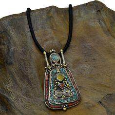 Silkroad - abbigliamento etnico gioielli e oggetti tibetani