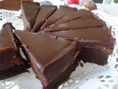 Najčokoládovejšia torta, najlepšia so šľahačkou :)