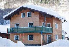 #Ferienwohnung St. Anton am Arlberg günstig www.winterreisen.de #Skiurlaub #Winterurlaub #Unterkunft online buchen. Das Ferienhaus bietet Platz für maximal 9 Gäste in drei einfach ausgestatteten Doppel- und einem Dreibettzimmer. www.winterreisen.de
