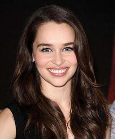 Emilia Clarke (Khaleesi de Game Of Thrones)